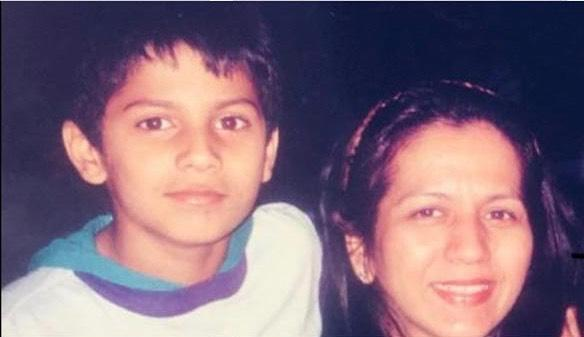Throwback Pics of Bollywood Celebrities